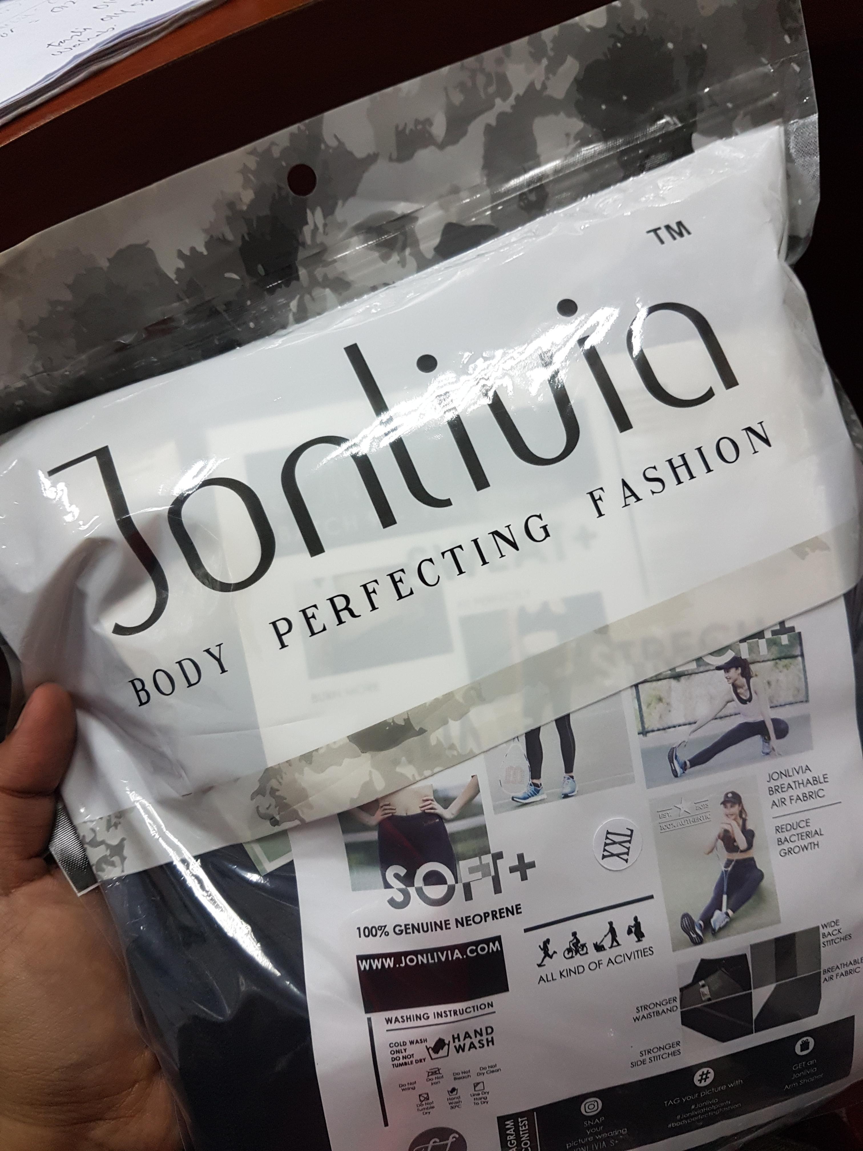 Jonlivia Hot Pants Yang Friendly